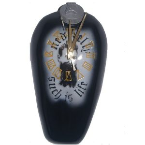 C006-such-is-life-tank-clock